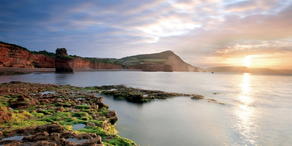 Dunscombe Manor is settled near secluded beaches along the Jurassic Coast_2